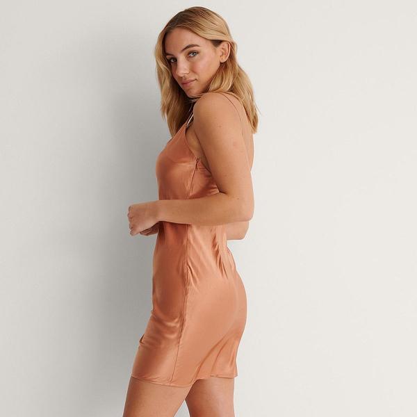 Bilde av NA-KD - Thin Strap Satin Mini Dress Peach
