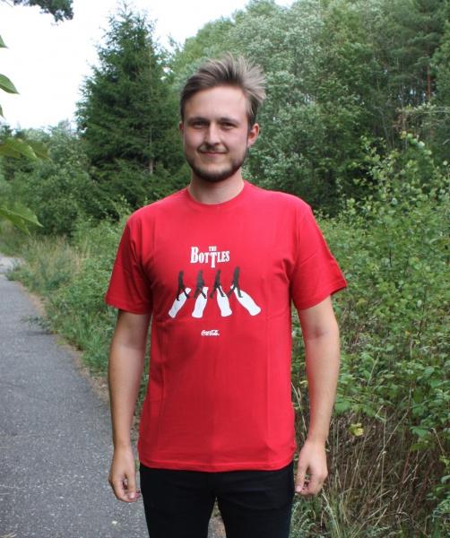 Bilde av Ulike Retro Coca Cola T-skjorter