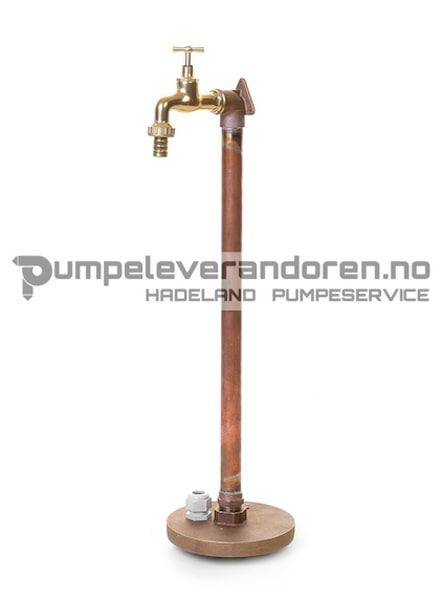 Bilde av Vannpostrør med kran og messinglokk