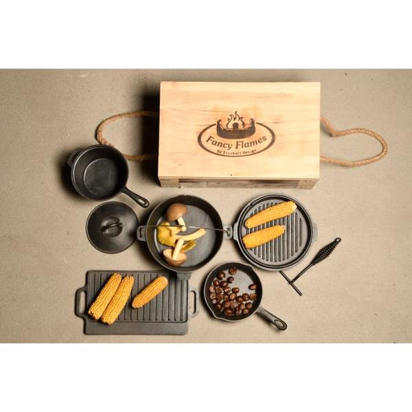 Bilde av Kokesett for bålpanne 7 deler sort støpejern
