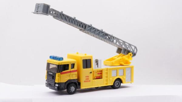 Bilde av TEAMA – Gul brannbil m/lyd og lys – 2 ass (20cm)
