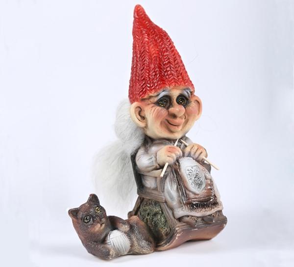 Image of Ny Form knitting santa