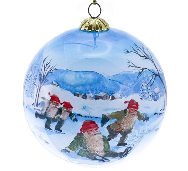 Image of Glass ball, four santas skaiting 'Bergerlind'