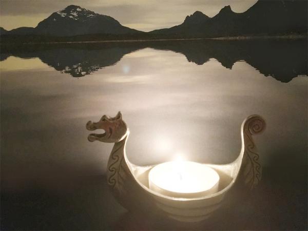 Image of Viking ship candle holder  Tinn-Per