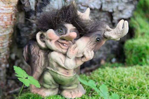 Image of Troll with moose (Troll # 043)