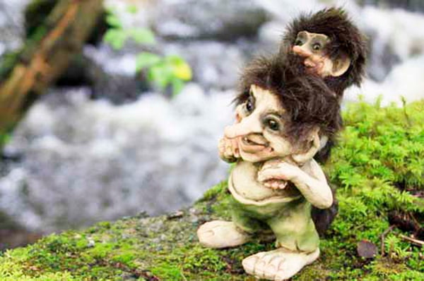 Image of Troll with child (Troll # 178)
