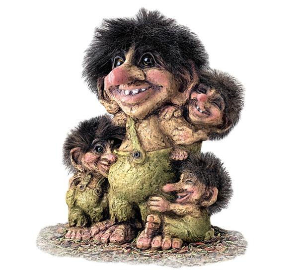 Image of Troll w/three loving kids (Troll # 267)