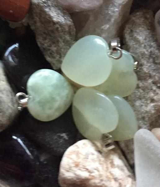 Bilde av Jade Grønn Hjerteanheng 1,5cm