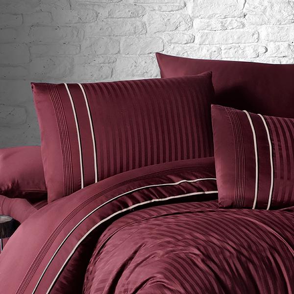Bilde av Örngott Deluxe Stripe Style Dark Red 50x70