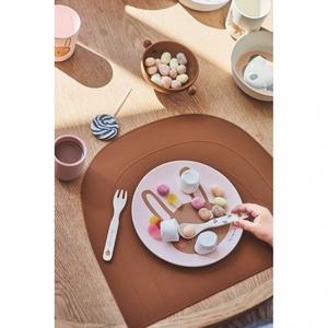 Bilde av OYOY Rabbit Tableware set