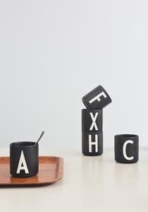 Bilde av Design Letters Black Porselen