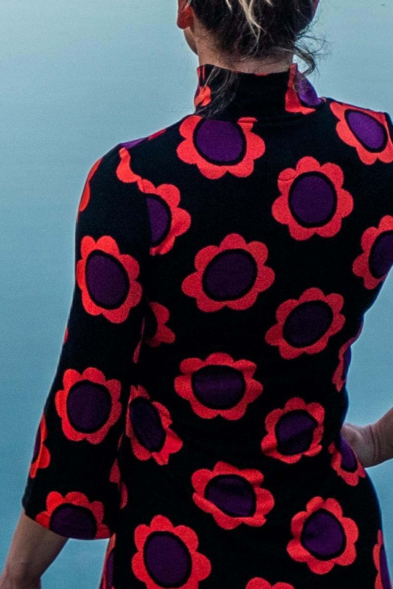 Gudrun Sort oransje lilla kjole