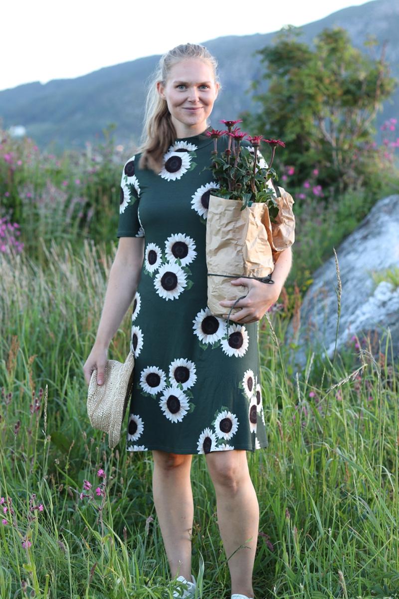 Solsikke kjole D31 grønn og hvit