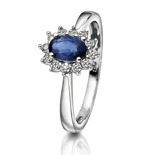 Bilde av Ring i gull med diamant 0,16