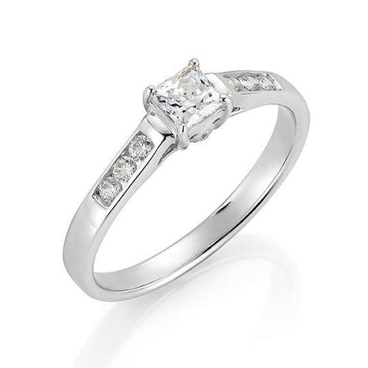Hvitt gull ring 0,39ct WSI Princess cut 585