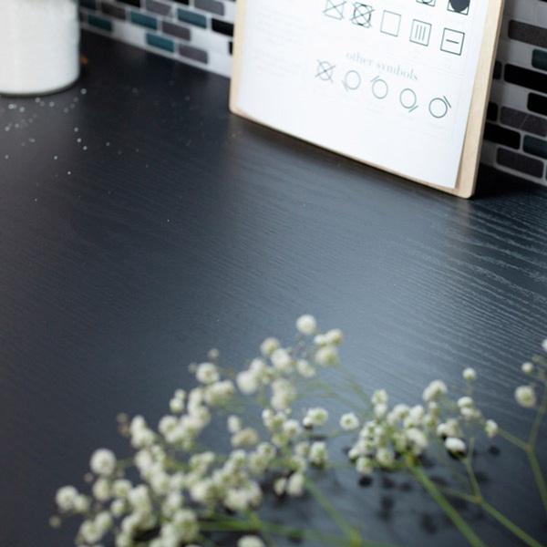 Bilde av Vareprøve: Treverk sort matt kontaktplast