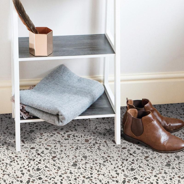 Bilde av Terrazzo selvklebende gulvfliser