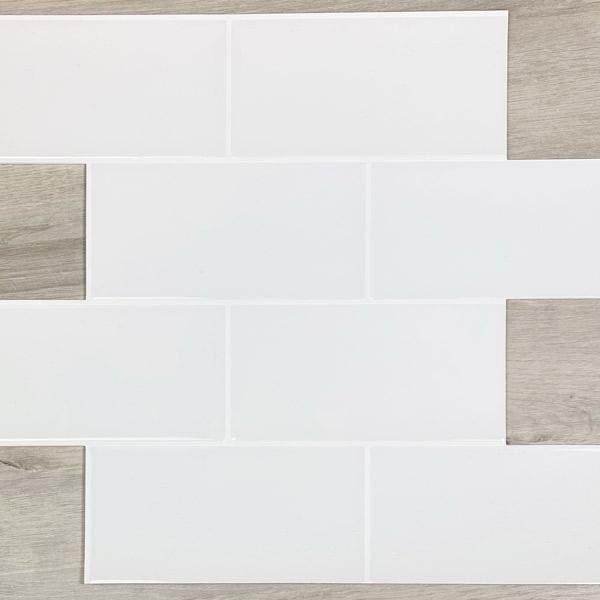 Bilde av Subway Hvite fliser med hvite fuger
