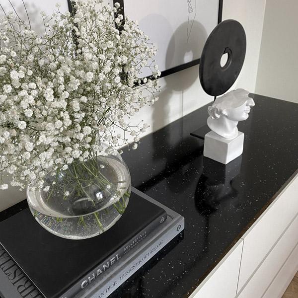 Bilde av Granitt sort kontaktplast