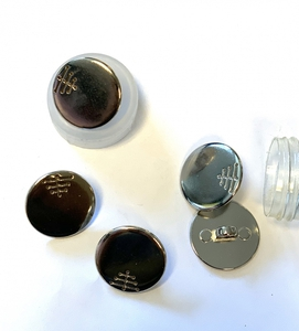 Bilde av Metallknapp med tre