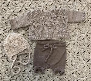 Bilde av Dukke genser / bukse / lue