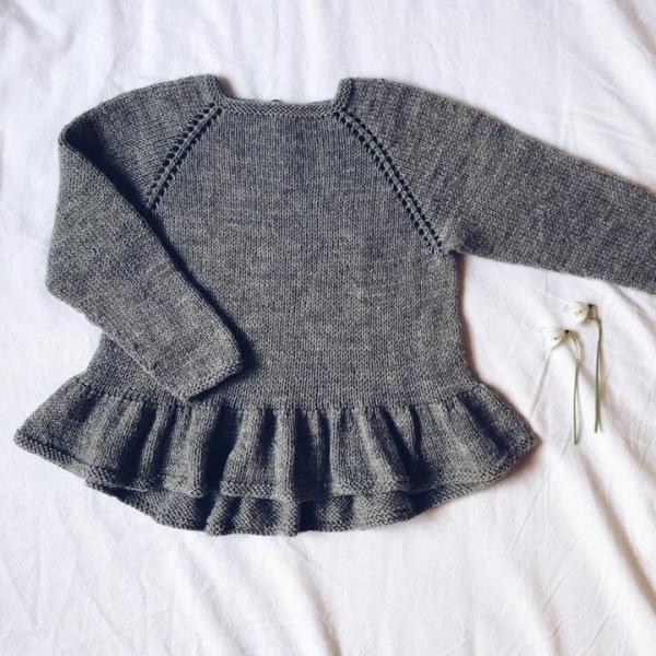 Camille Bluse (norsk) av Mille Fryd Knitwear