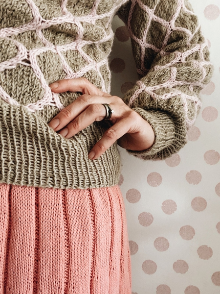 Honeycomb sweater (norsk) - a nordic knitting tale