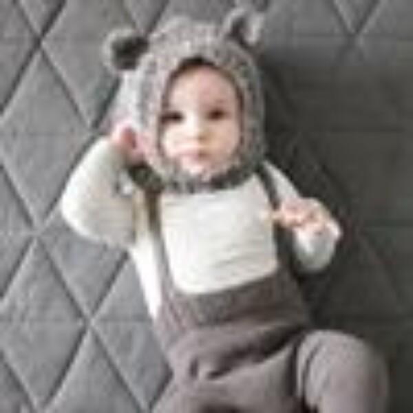 Bearly Hoodie - strikkeoppskrift fra Mamaknit