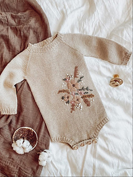 Broderi body by Therese Jacobsen