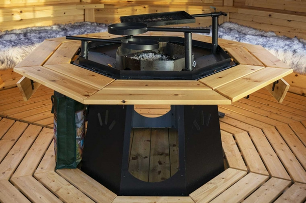 Kuva 8-kulmainen grilli, savupiippu ja piipunhattu