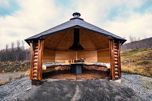 Bilde av Vindskydd 17 m2 Royal med grill och bänkar