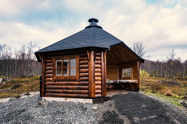 Bilde av Vindskydd 15 m2 Royal med grill och bänkar