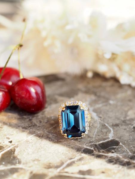 Bilde av Caprice Decadent - Diana Ring - Dark Blue