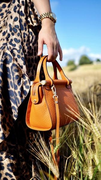 Bilde av Pourchet - Mini nano leather satchel - Orange