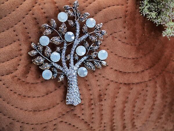 Bilde av Nectar - Sparkling Tree Brooch