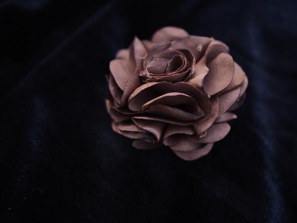 Bilde av Nectar - Silky Flower Hair/Broch - Mocca