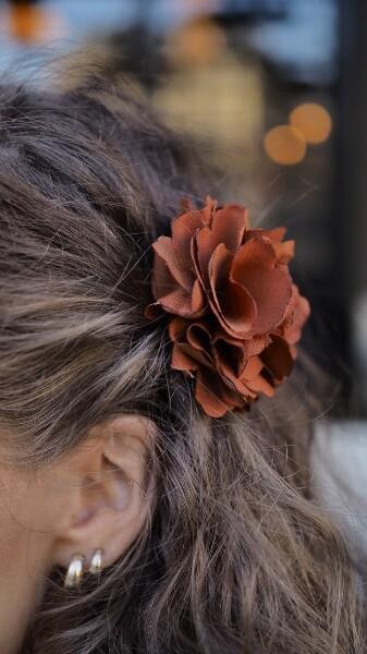 Bilde av Nectar - Silky Flower Hair/Broch - Copper