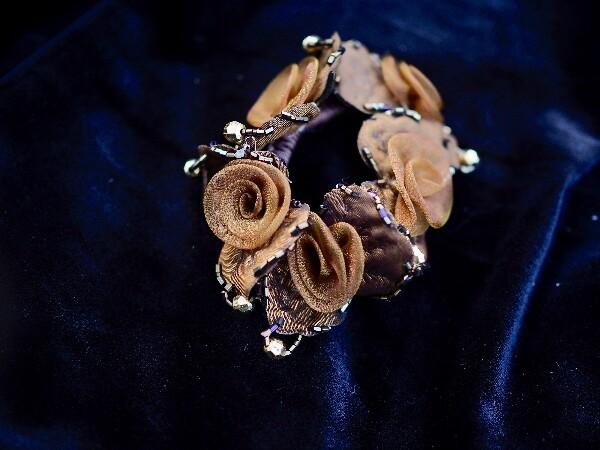 Bilde av Nectar - Hårstrikk Flower Organza - Whiskey