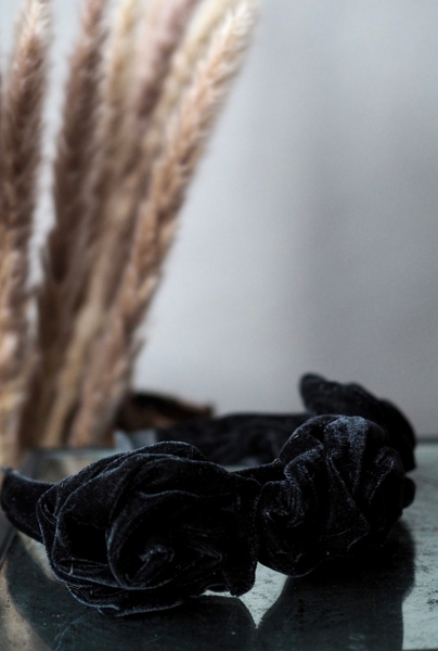 Bilde av Nectar - Luna Velvet Headband - Black
