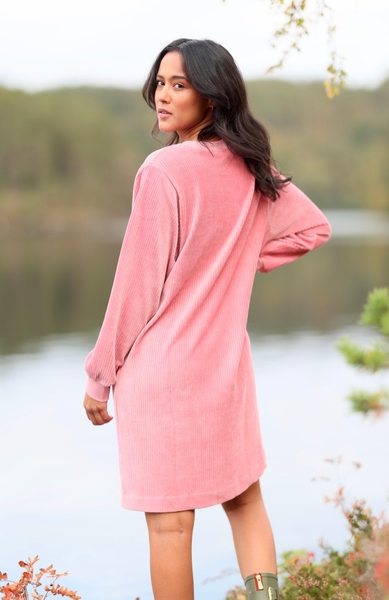 Bilde av Basic Apparel - Babette Dress - Fox Glove