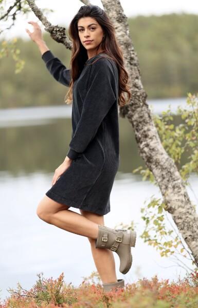 Bilde av Basic Apparel - Babette Dress - Blackened Pearl