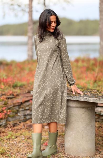 Bilde av Basic Apparel - Elba T-neck Dress - Tarmac