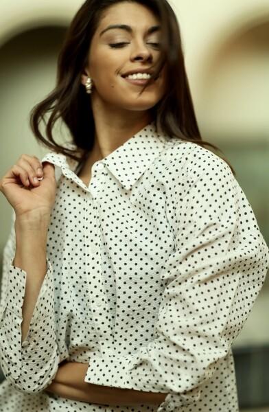 Bilde av A View - Solva Shirt - White w/Black Dots