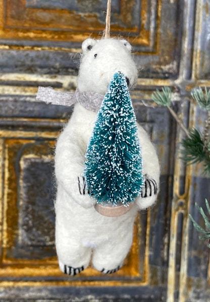 Bilde av Cody Foster - Polar Bear w/Tree