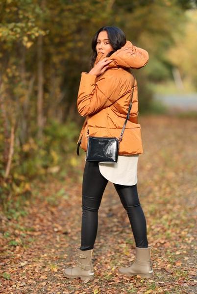 Bilde av Basic Apparel - Dagmar Short Jacket - Roasted