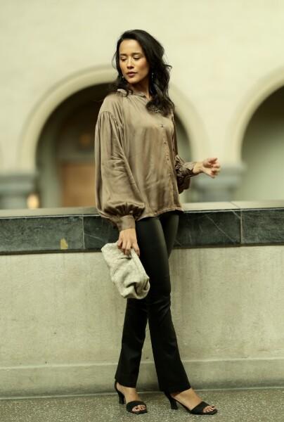 Bilde av Part Two - Lucina Walnut Outfit