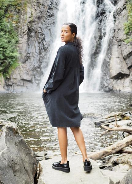 Bilde av Nectar Clothing - Matilde Babycord Dress - Black