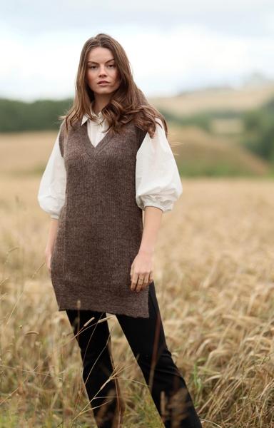 Bilde av Anna Kamola - Lilly V-neck Vest - Coffee
