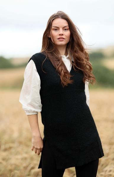 Bilde av Anna Kamola - Lilly V-neck Vest - Black