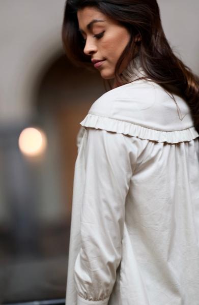 Bilde av Levete Room - Isla Solid 36 Shirt - Chalk